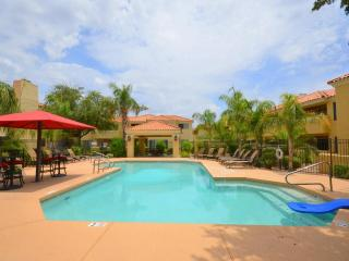 Relax in our luxury resort style condo!, Scottsdale