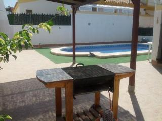 Beautiful Bungalow with Private Pool and Wi-Fi, Mazarrón