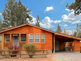 Ask about 3rd night free! Half a mile from lake., Big Bear City