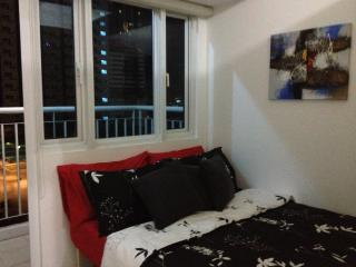 1BR w/ balcony, nice view plus wifi Atop a Mall, Mandaluyong