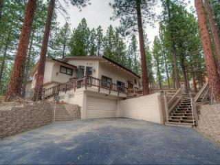 Great 4BR Pet Friendly Family Home Located on the East Shore of Beautiful Lake Tahoe ~ RA61078, Glenbrook