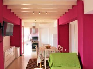 Seafront 2-bedrooms apartment with panoramic view!, Giardini Naxos