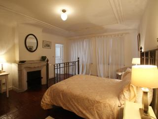 No 11 B and B ,Central Carcassonne-Double Room, Albas