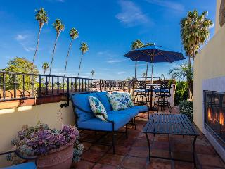 Luxury West Beach condo on 4 levels, rooftop deck with fireplace and views - Mykonos, Santa Barbara