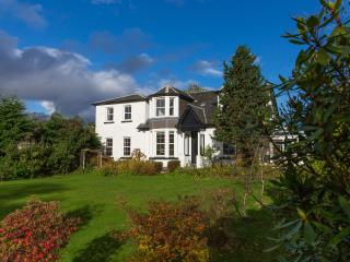 Holiday Home in Cardross near Golf, Sea and Lochs