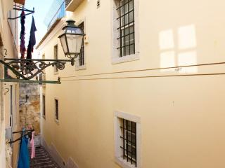 Casas d'Almedina Apartment by the Castle, Lisbon