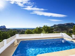 VILLA CECILIA with stunning panoramic sea views, Alicante