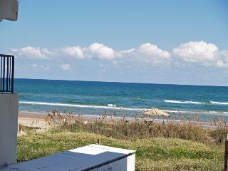 Cute as a Button SPI Beachfront Studio OCEAN Condo, South Padre Island