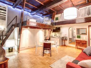 Luxory and Romantic Apartment in Piazza Farnese, Rome