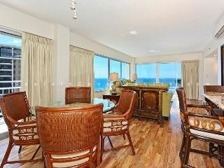 Panoramic Ocean Views Remodel-FREE Parking/WiFi, 2/2, AC, Washlet, Sleeps 6, Honolulu