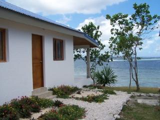 2 BEDROOM SELF CONTAIN OCEANFRONT BUNGALOW, Efate