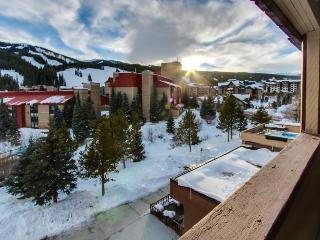 Roomy rental with a convenient location year-round!, Copper Mountain