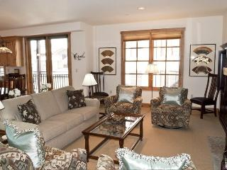 Angani Way 104, #9, Elkhorn Springs - New Lower Rates! Perfect Summer Condo with Central Air Conditioning Access to Pools, Tennis and Golf, Sun Valley