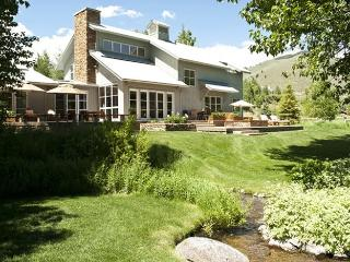 Eagle Creek - #12, New Lower Summer Rate, large private home with great views, Ketchum