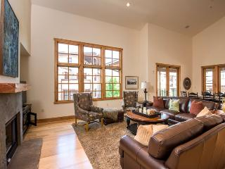 Angani Way 104, Penthouse #13, Elkhorn Springs - New Luxury Condo with Central Air Conditioning, Sun Valley