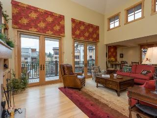 Angani Way 106, Penthouse #13, Elkhorn Springs - New Luxury Condo with Central Air Conditioning, Sun Valley