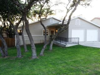 Gorgeous Home, Shady Oaks, Lg. Deck. BMT Specials!, San Antonio
