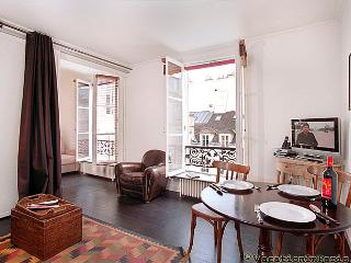 Louvre & D'Orsay on Your Doorstep One Bedroom, Paris