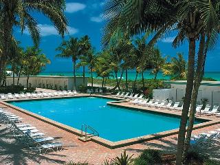 MIAMI BEACHFRONT CONDO+POOL+PARKING+WIFI!715, Miami Beach