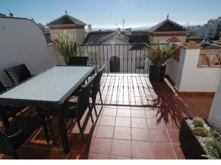 AP225 BEAUTIFULLY DECORATED MODERN APARTMENT, Nerja
