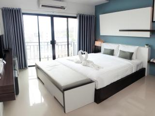 The Artist House Patong Deluxe