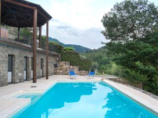 Villa in Northern Tuscany with heated pool, gorgeous outdoor dining area and incredible views, sleeps 6, Bagnone