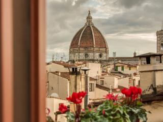 Lovenest with terrace Duomo view, Florence