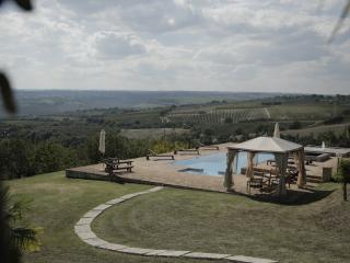 Umbrian villa with fitness zone...., Baschi
