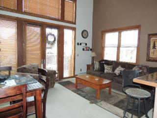 2 bed 2 bath southern exposure 2 story, Keystone
