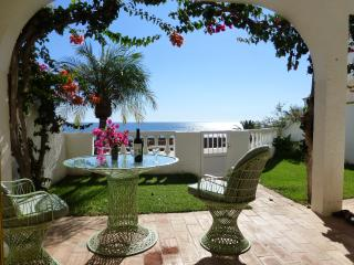 Waterfront Holiday Apartment by the roman ruins, Luz