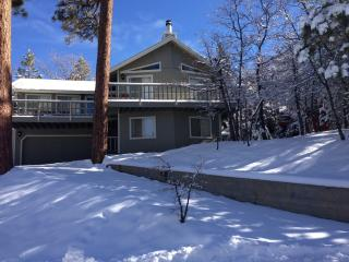 Moonridge, Pets, Baby Proof, Views, WiFi, Decks, Big Bear City
