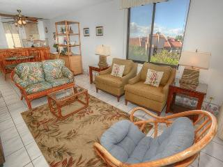 Beautiful 3 Bedroom, 3 Bath with an Ocean View, Kihei