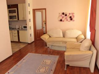 Hi-Tech two room apartment on Independence square, Kiew