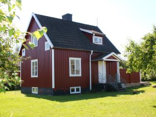 Beautiful house in the little land near the forest, Sodvik