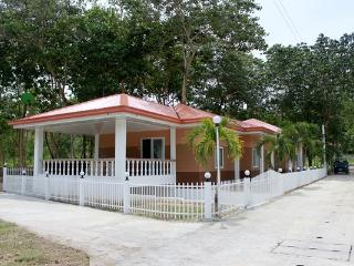 Holiday House FOr Rent, Argao