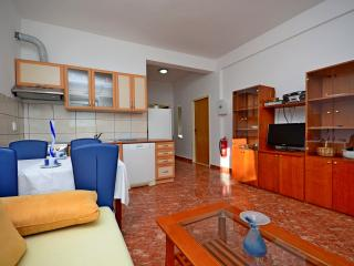 Apartment for family with kids, sea view, Kastel Sucurac