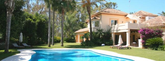 BEACHSIDE VILLA, Marbella