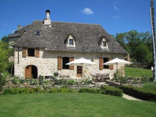 The Cottage in France: luxurious 17th cent. house, Correze