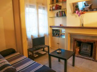 NICE, SUNNY AND WELL COMUNICATED LOFT UP TO 4, Barcelona