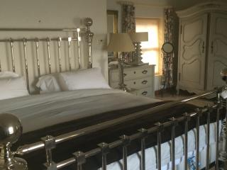 Spacious Ocean View Bedroom, Dunfanaghy