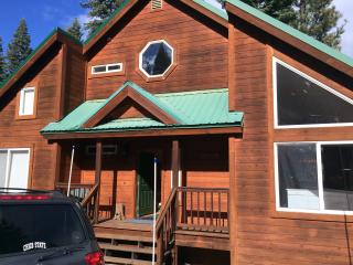 Cozy Large Tahoe Donner Mountain Cabin, Truckee
