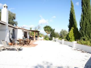 Beautiful country house with private pool, Monda