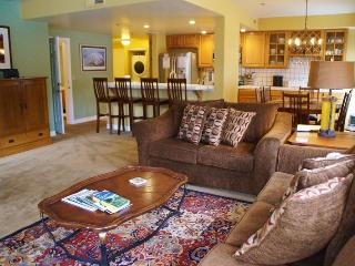 Silver Bear Condo, Steps from Canyon Lodge - Listing #340, Mammoth Lakes