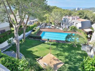 20.000m2 garden, private pool and football pitch, Sitges