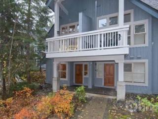 Secluded 2-BR Ski-Home Townhouse!, Whistler