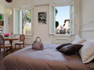 NEW! Bedandview Deluxe suite with great Dome view, Florence