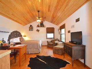 Terrific Views at Ancils Attic Buttercup Cabins, Wimberley
