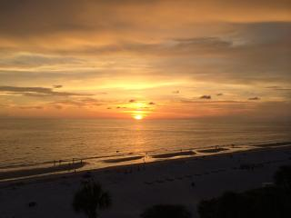 Tampa/Clearwater Florida gulf beach condo, Indian Shores