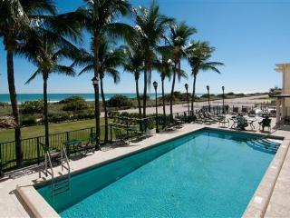 Carlisle on The Ocean #3 / 2 BED 2 BATH, Surfside