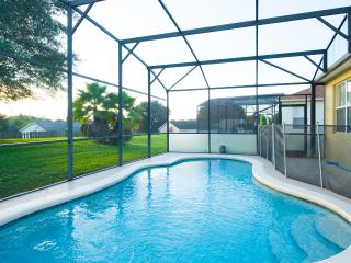 Stunning Family Home - South Facing Pool, Loughman